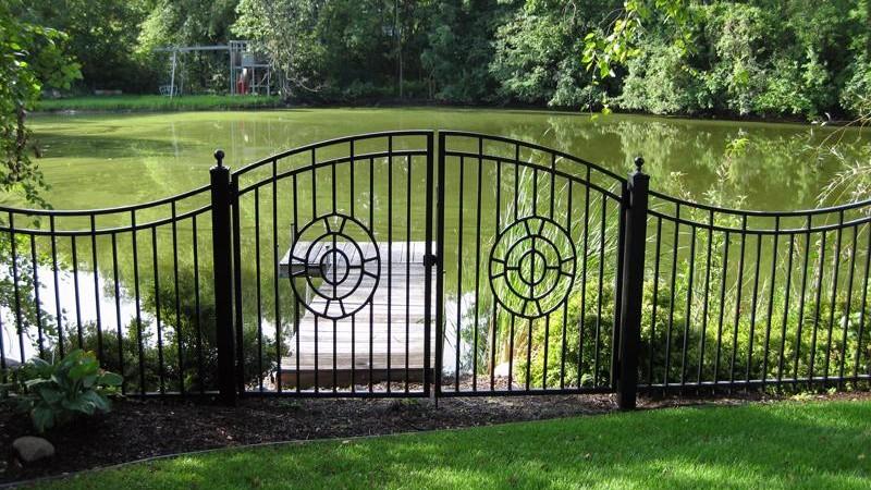 custom gate 2