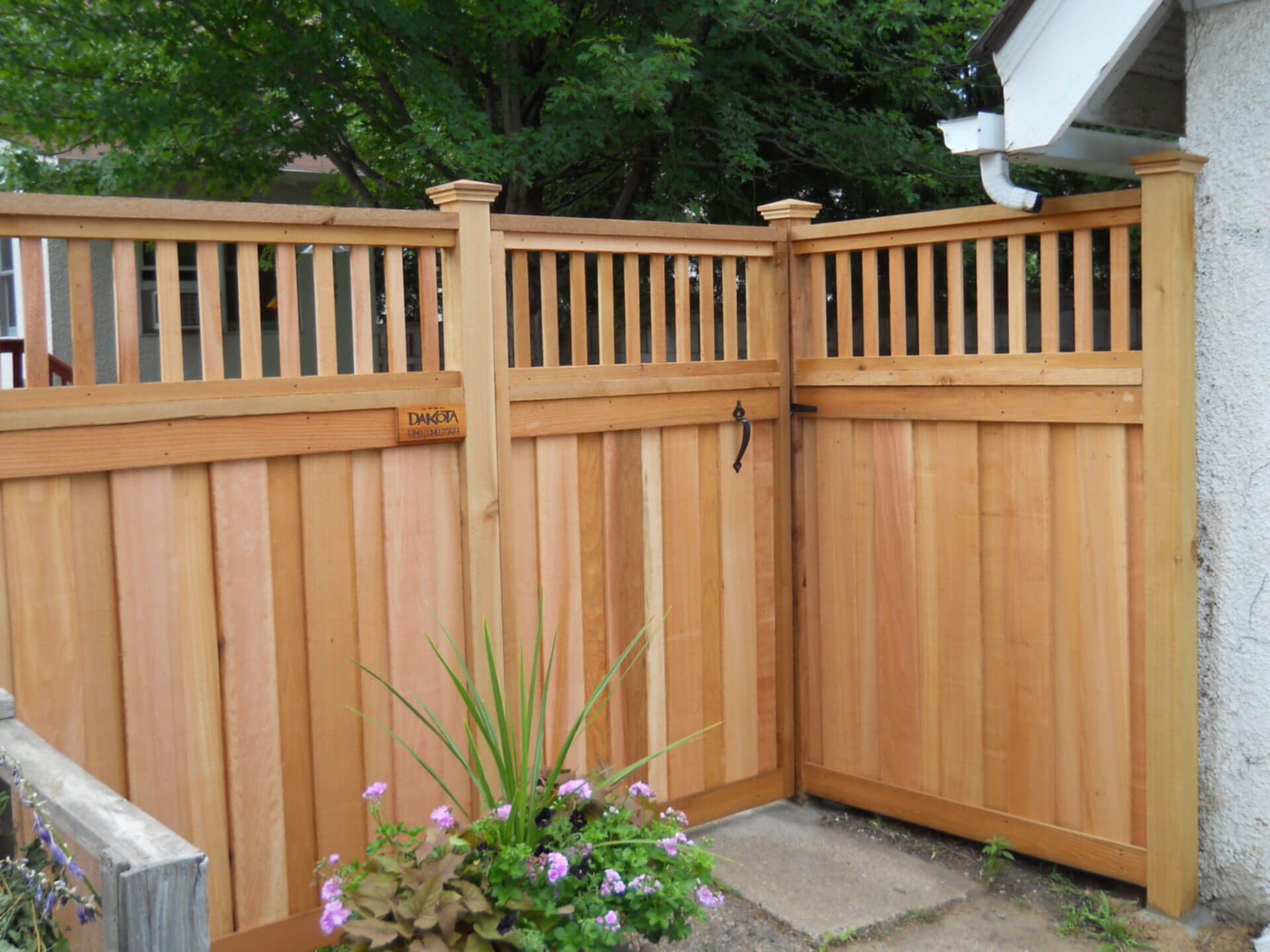 Wood fence in st paul lakeville twin cities woodbury cottage why dakota unlimited baanklon Images