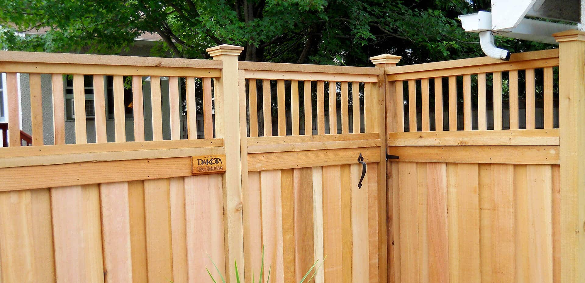 Wood privacy fence in st paul lakeville twin cities for Fences privacy