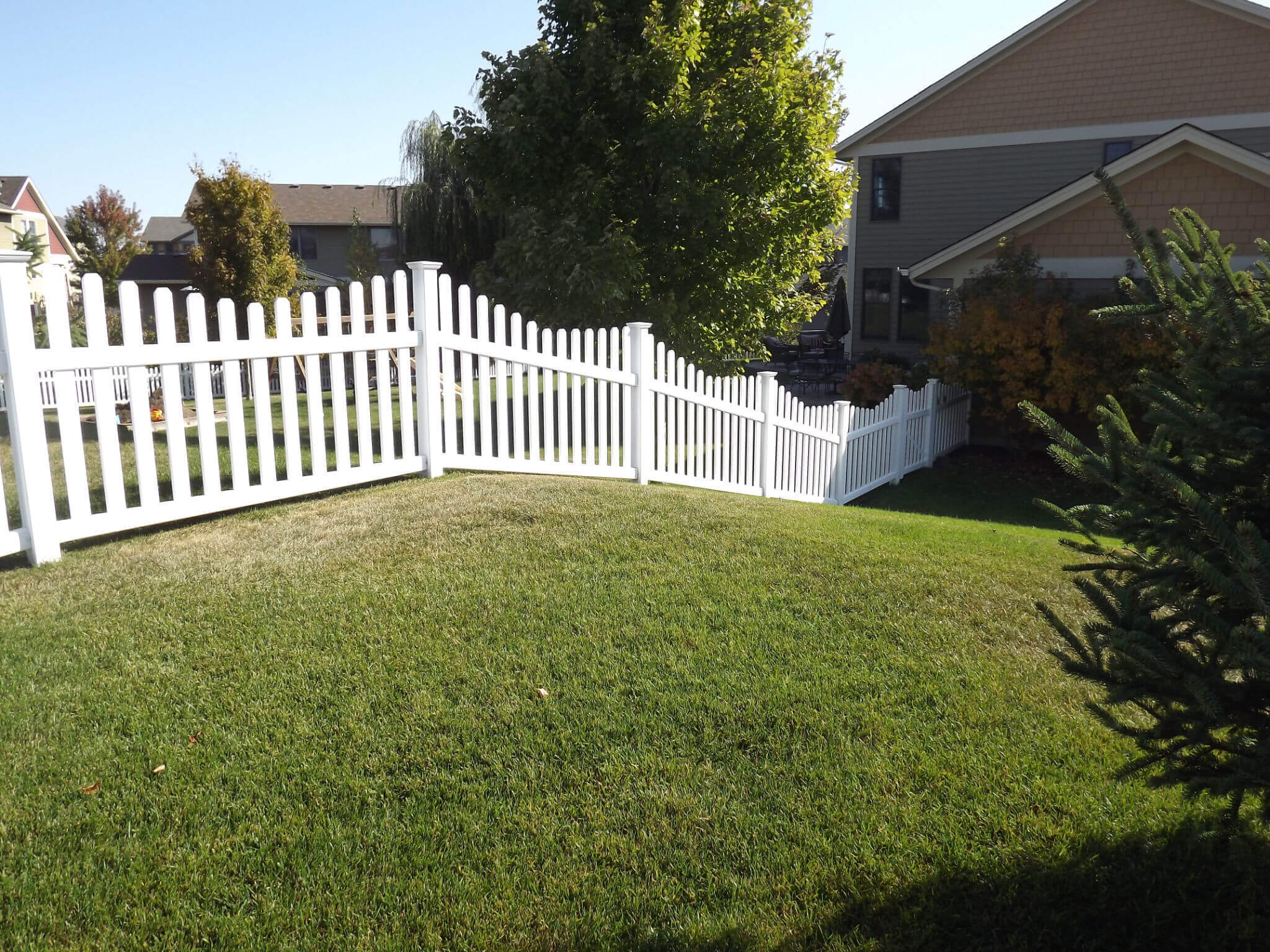 Vinyl Privacy Fencing In St Paul Lakeville Twin Cities