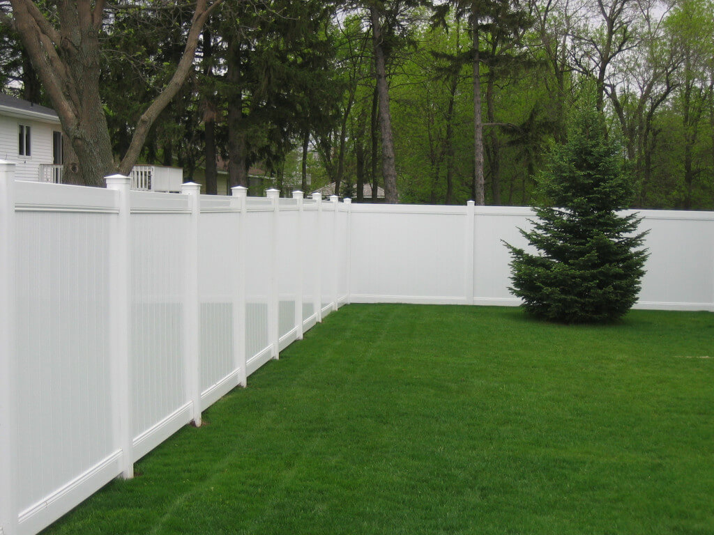 Smooth White Chesterfield Vinyl Fence in St