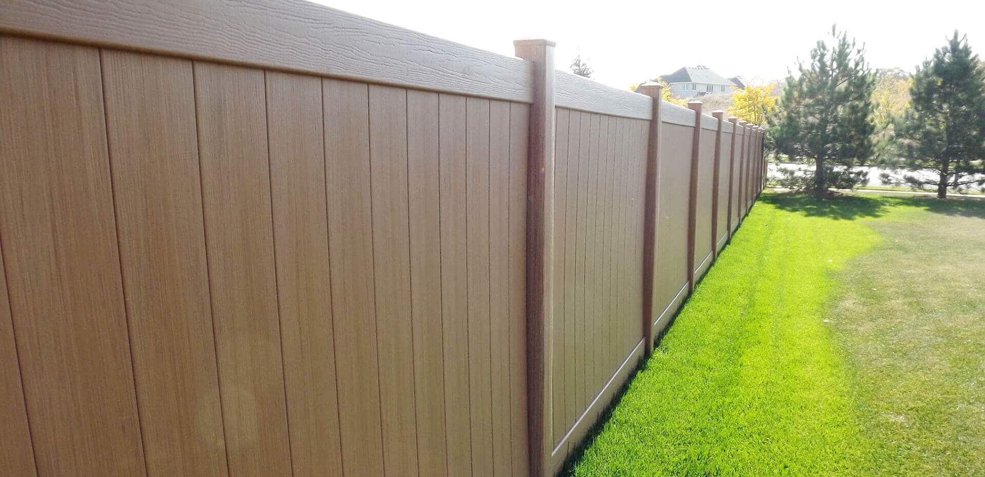 Wood fence in st paul lakeville twin cities woodbury cottage simulated wood fences baanklon Gallery
